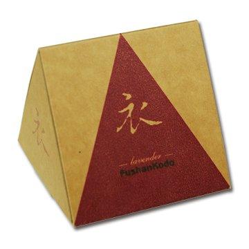 Сян Лаванда, конусы в коробке