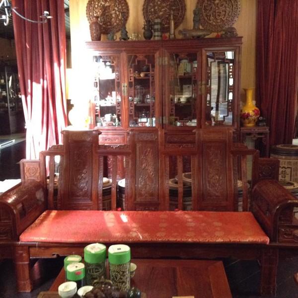 Мебель для гостиной красное дерево