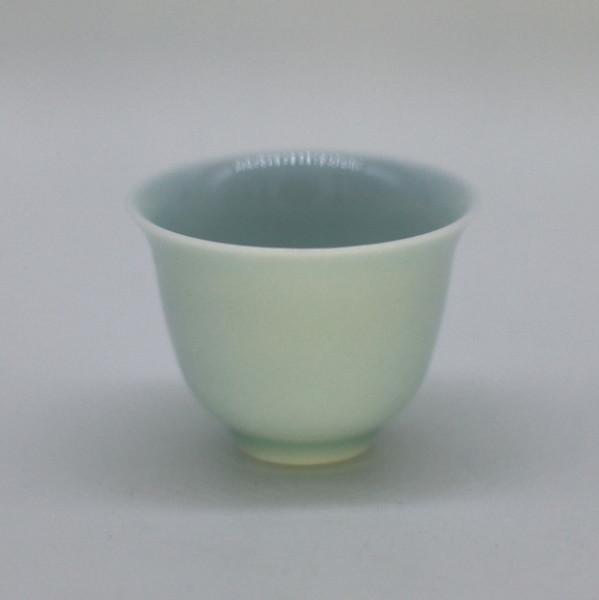 """Чашка фарфор из Цзиндэчжэнь """"Тюльпан Цин Ци"""" малая 35 мл"""