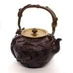 """Чайник для воды, чугун, """"Аисты и черепахи"""""""