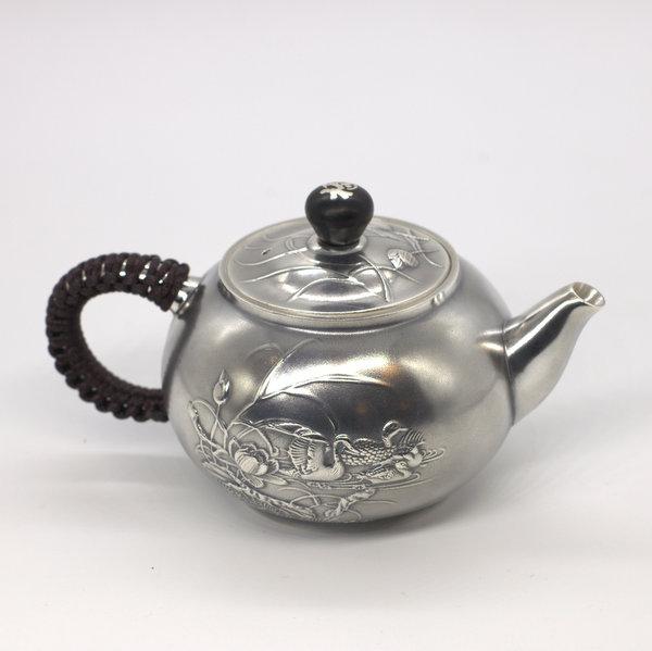 """Чайник из металла, серебро """"Утки на пруду"""""""