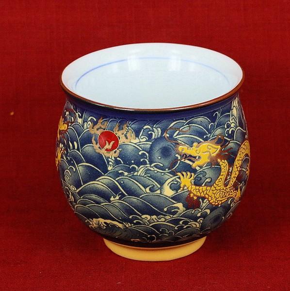 "Чашка-термо ""Дракон в синем море"""