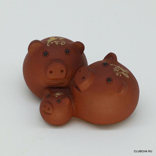 """Фигурка глина рыжая """"Три свинки"""""""