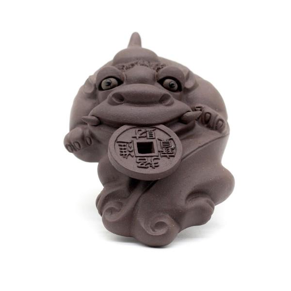 Фигурка глина Пи Яо с монетой коричневый