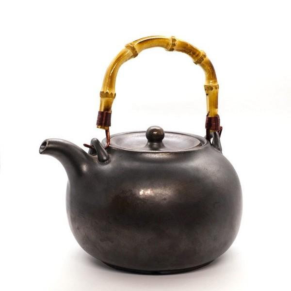 Чайник для воды глиняный