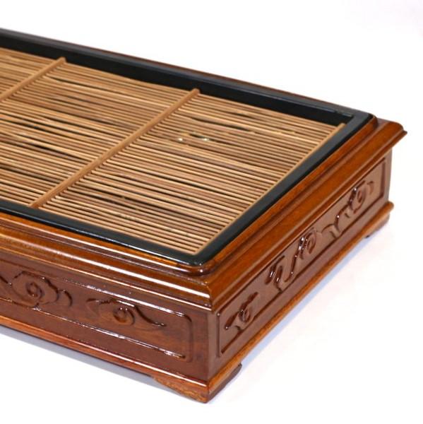 Чайный столик из Венге с бамбуковой решеткой
